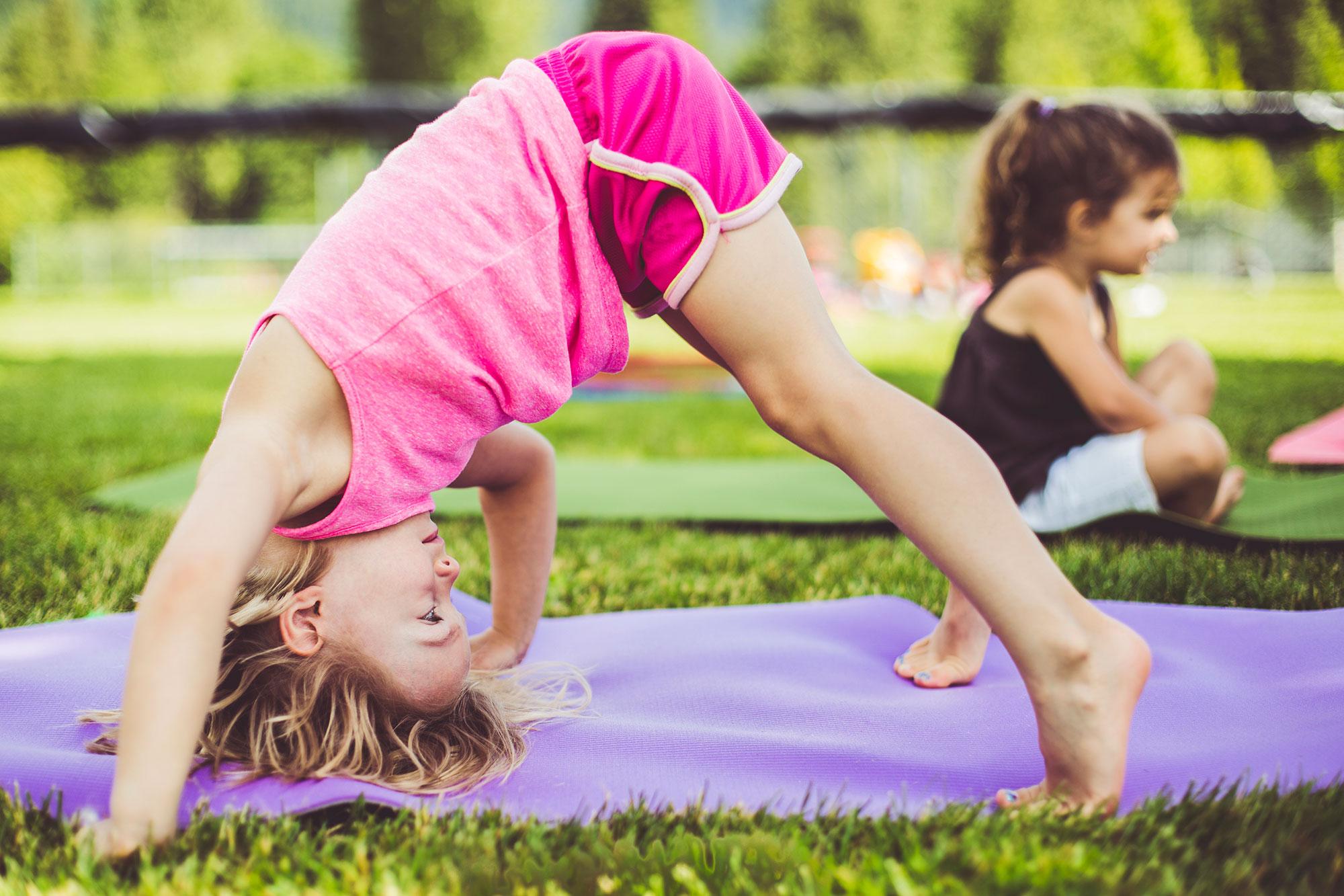 Sarabanda-Yoga-e-bambini-2